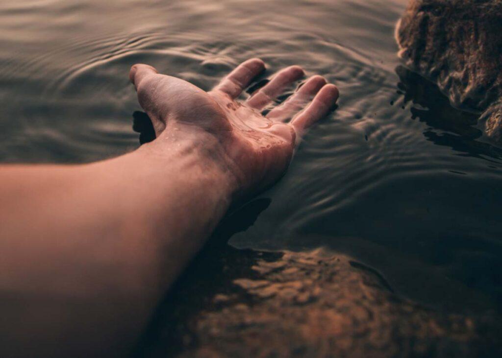 Hipnoterapija - podaj mi roko